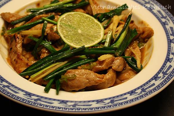 Thịt lợn xào chanh gừng - Sautiertes Schweinefleisch mit Limettensaft und Ingwer